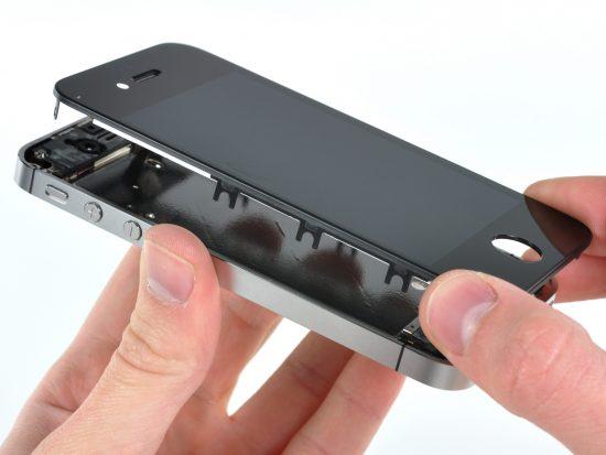 iPhone Kırık Ekran Tamiri Nerede Yapilir